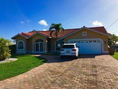 Cape Coral Single Family Home For Sale: 5333 Colonade Ct