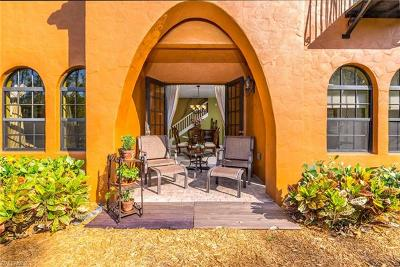 Collier County Condo/Townhouse For Sale: 9121 Chula Vista St #12204