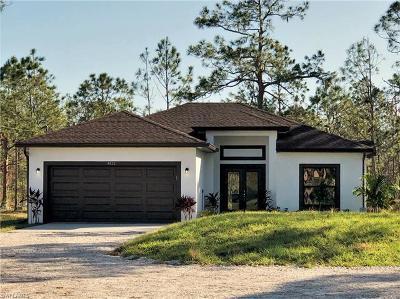 Naples Single Family Home For Sale: 4471 14th St NE