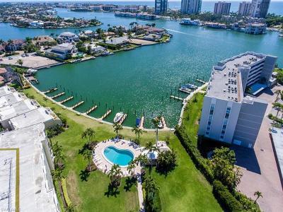 Naples Condo/Townhouse For Sale: 400 Park Shore Dr #303