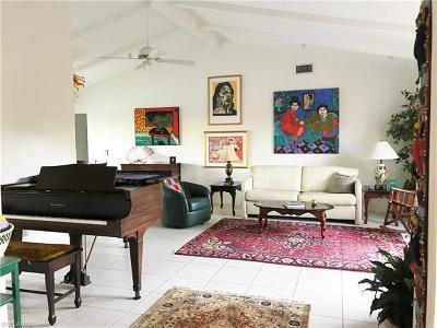Naples Single Family Home For Sale: 2384 Kings Lake Blvd