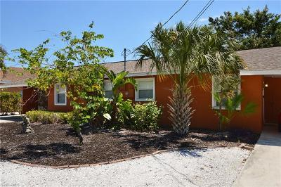 Bonita Springs Single Family Home For Sale: 27081/083 Sun Aqua Ln