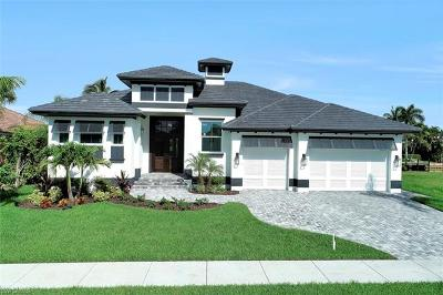 Marco Island Single Family Home For Sale: 32 Gulfport Ct