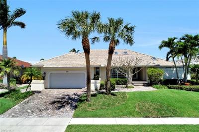 Marco Island Single Family Home For Sale: 390 Henderson Ct
