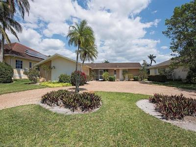 Naples Single Family Home For Sale: 2133 Tarpon Rd