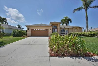 Marco Island Single Family Home For Sale: 1477 Bermuda Rd