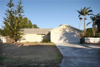 Lee County Single Family Home For Sale: 229 NE 21st Pl