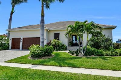Marco Island Single Family Home For Sale: 212 Seminole Ct