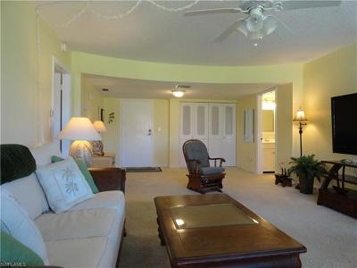 Fort Myers Beach Condo/Townhouse For Sale: 8401 Estero Blvd #104