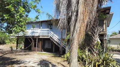 Naples Single Family Home For Sale: 1467 16th St NE