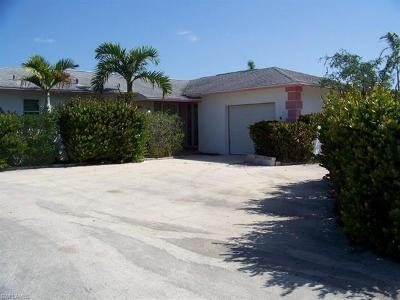 Marco Island Single Family Home For Sale: 1216 Fruitland Ave