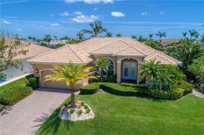 Marco Island Single Family Home For Sale: 121 Bonita Ct