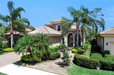 Naples Single Family Home For Sale: 6080 Dogleg Dr