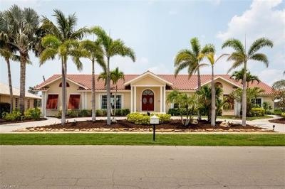 Bonita Springs, Fort Myers Beach, Marco Island, Naples, Sanibel, Captiva Single Family Home For Sale: 1770 Barbados Ave