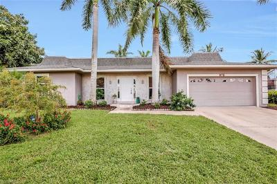 Marco Island Single Family Home For Sale: 875 Robin Ct