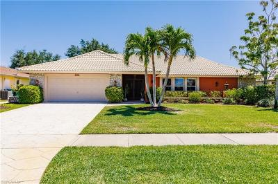 Naples Single Family Home For Sale: 2212 Kings Lake Blvd