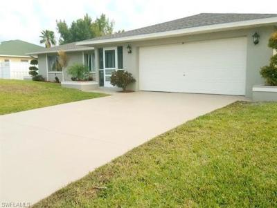 Cape Coral Single Family Home For Sale: 156 SE 17th St