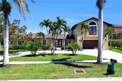 Marco Island Single Family Home For Sale: 807 Fairlawn Ct