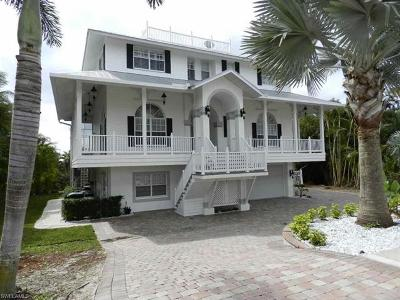 Marco Island Single Family Home For Sale: 1971 Sheffield Ave
