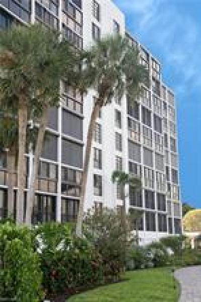 Condo/Townhouse For Sale: 2400 Gulf Shore Blvd N #104