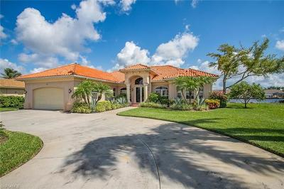 Naples Single Family Home For Sale: 175 Sunset Cay