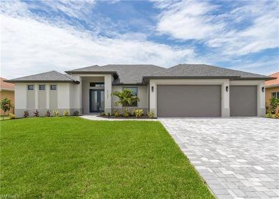 Cape Coral Single Family Home For Sale: 2706 Gleason Pky