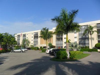 Naples Condo/Townhouse For Sale: 555 Park Shore Dr #B-513