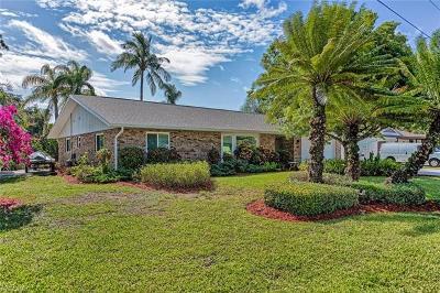 Bonita Springs Single Family Home For Sale: 27195 Belle Rio Dr