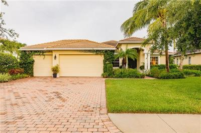 Naples Single Family Home For Sale: 318 Saddlebrook Ln