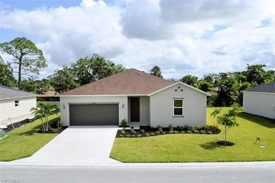 Fort Myers Single Family Home For Sale: 6438 Estero Bay Dr
