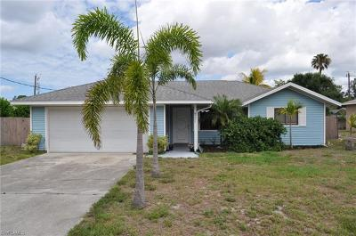 Fort Myers Single Family Home For Sale: 8221 Sandpiper Rd