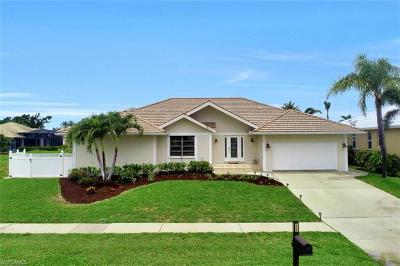 Marco Island Single Family Home For Sale: 1850 Woodbine Ct