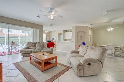Naples Single Family Home For Sale: 8259 Laurel Lakes Way