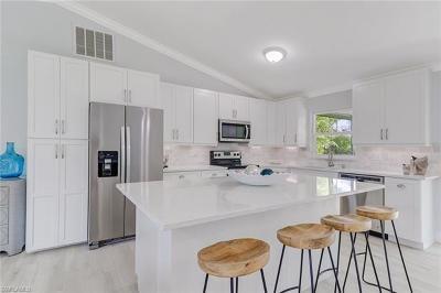 Bonita Springs Single Family Home For Sale: 155 1st St