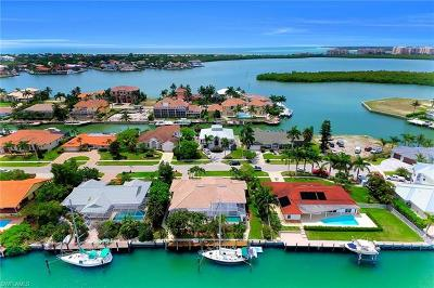 Marco Island Single Family Home For Sale: 761 Plantation Ct