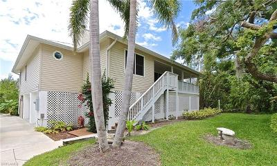 Collier County, Lee County Single Family Home For Sale: 1899 Sheffield Ave