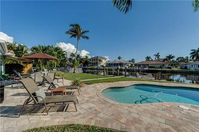 Naples Single Family Home For Sale: 328 Heron Ave