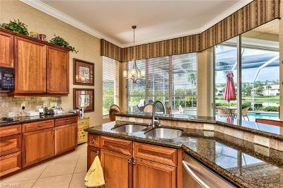 Naples Single Family Home For Sale: 1628 Manchester Ct