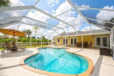Naples Single Family Home For Sale: 6841 Livingston Woods Ln