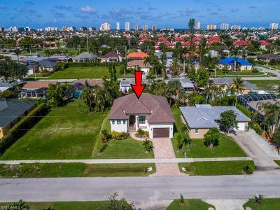 Marco Island Single Family Home For Sale: 172 Bermuda Rd