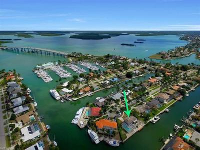 Marco Island Single Family Home For Sale: 848 Fairlawn Ct