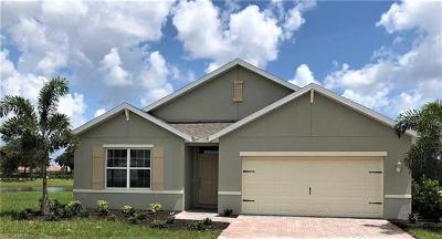 Cape Coral Single Family Home For Sale: 3612 Denia Ct