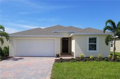 Cape Coral Single Family Home For Sale: 3486 Acapulco Cir
