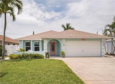 Naples Single Family Home For Sale: 565 108th Ave N