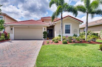 Naples Single Family Home For Sale: 1464 Birdie Dr