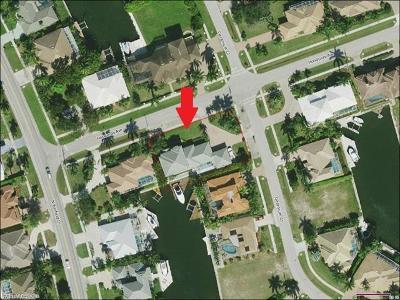Marco Island Single Family Home For Sale: 190 Geranium Ct