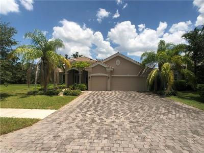 Naples Single Family Home For Sale: 15549 Vallecas Ln