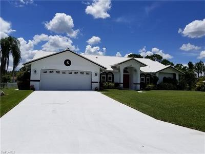 Lehigh Acres Single Family Home For Sale: 103 Jefferson Ave