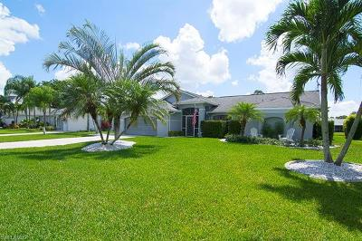 Fort Myers Single Family Home For Sale: 19611 Oak Forest Dr