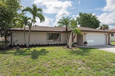 Bonita Springs Single Family Home For Sale: 27507 Playa Del Rey Ln